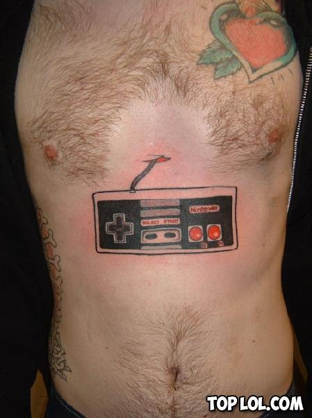 Tatouage manette NES